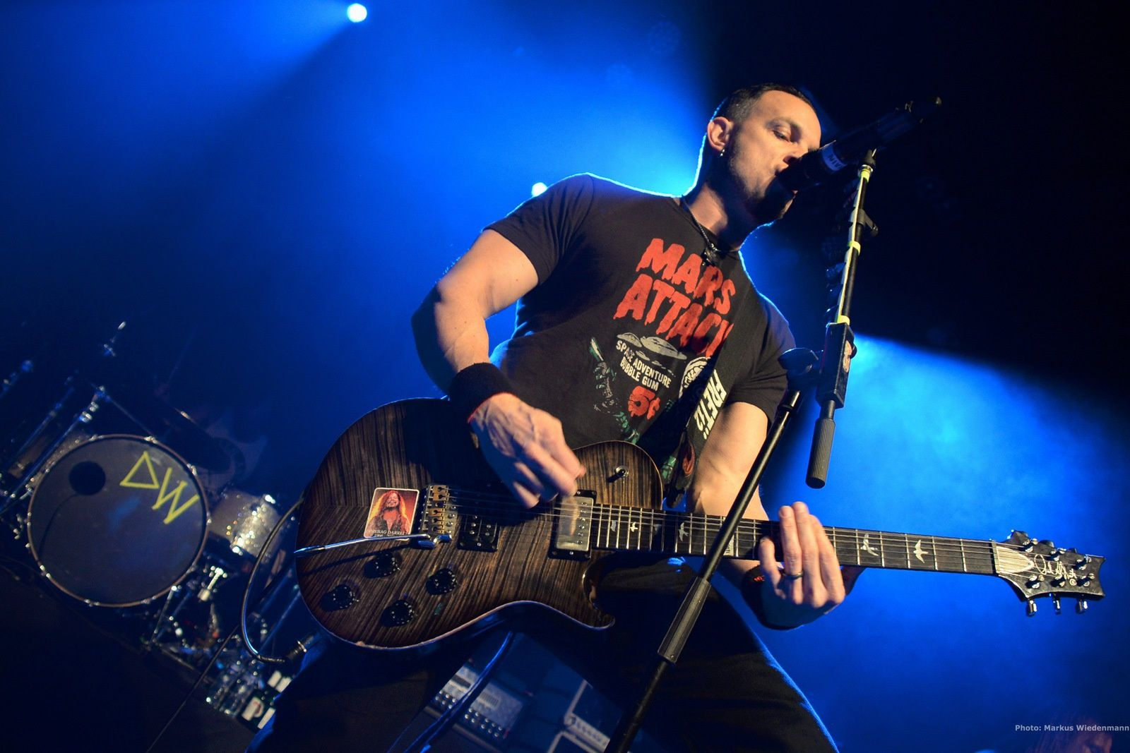 Interview: MARK TREMONTI talking about the current tour and the upcoming TREMONTI and ALTER BRIDGE records