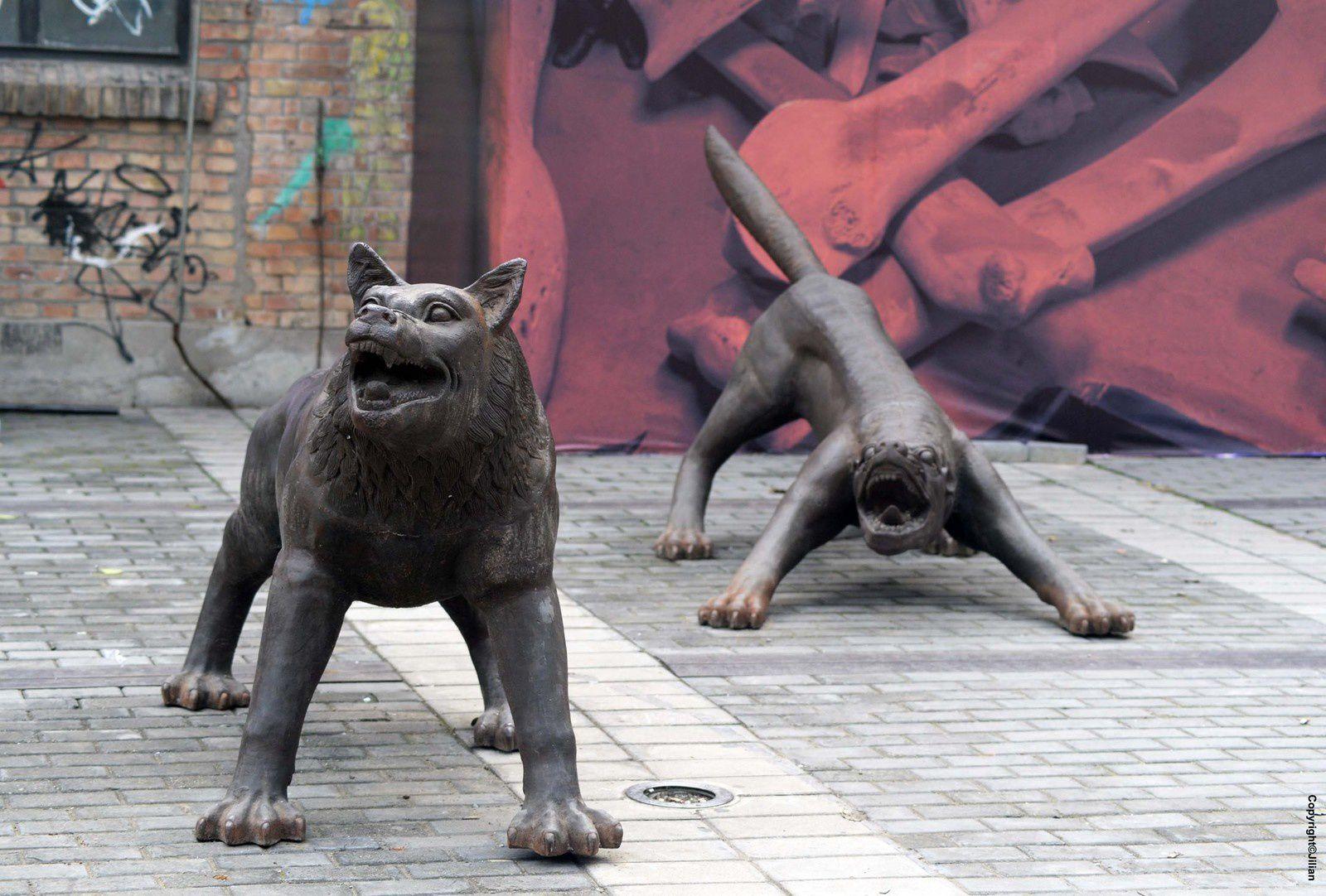 798 Art District, les allées folles - 798 艺术中心, 咆哮的世界