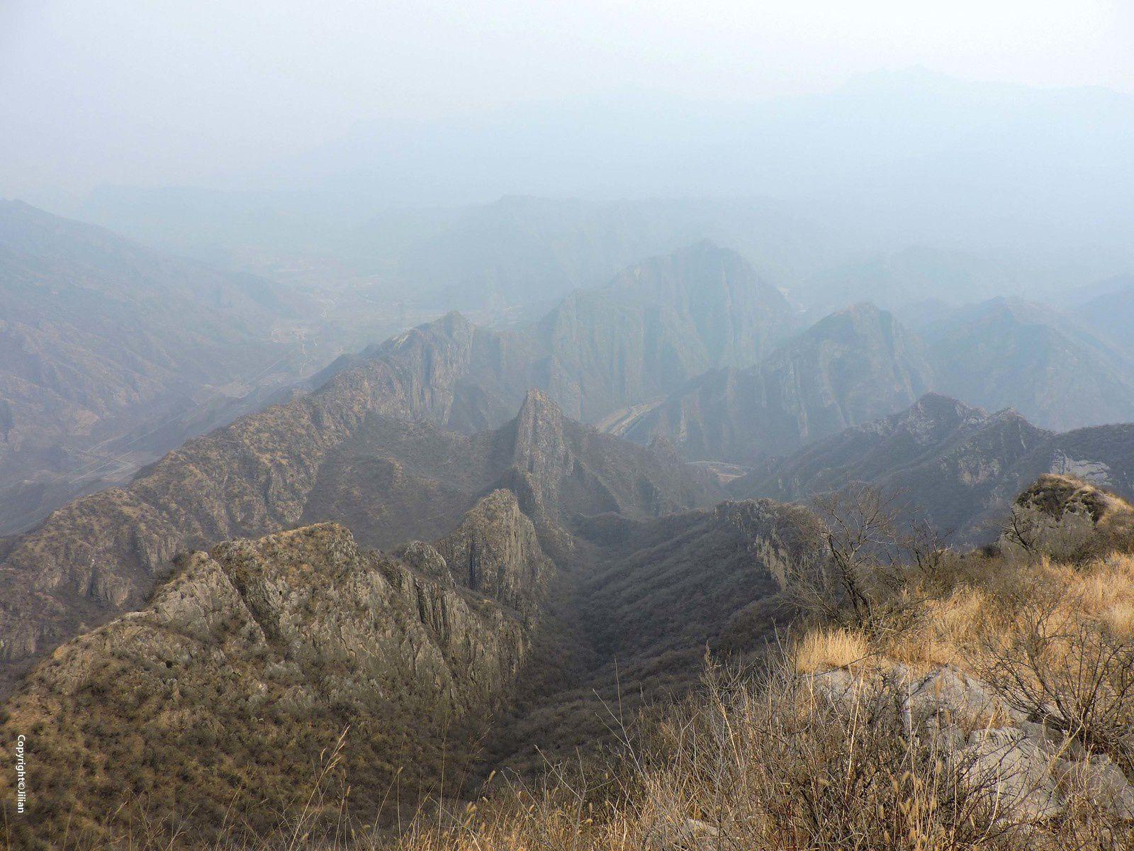 La Montagne des Crocs de Chien - 狗牙山