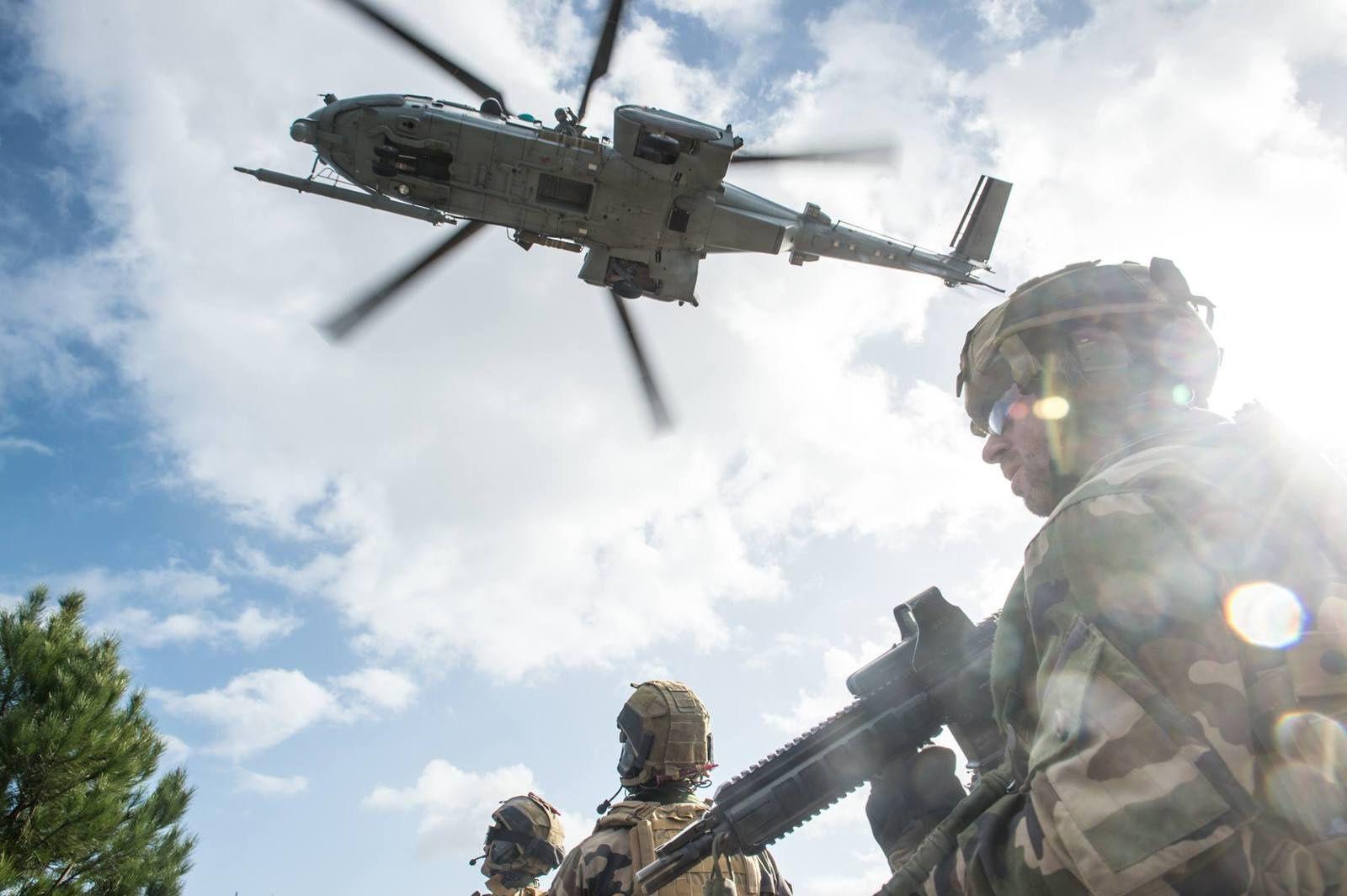 Exercice SALAMANDRE : Les Caracal et HH-60G Pave Hawk de l'USAF s'entraînent ensemble aux missions CSAR
