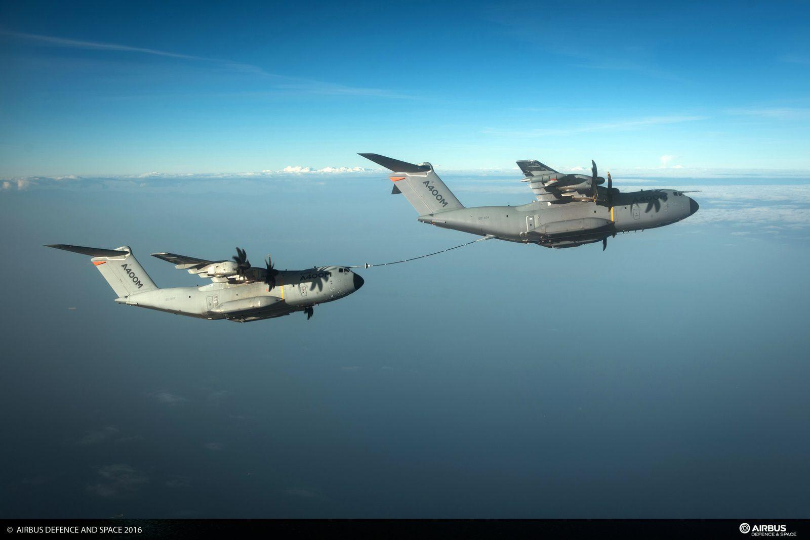 Airbus a mené des essais de ravitaillement en vol entre deux A400M Atlas