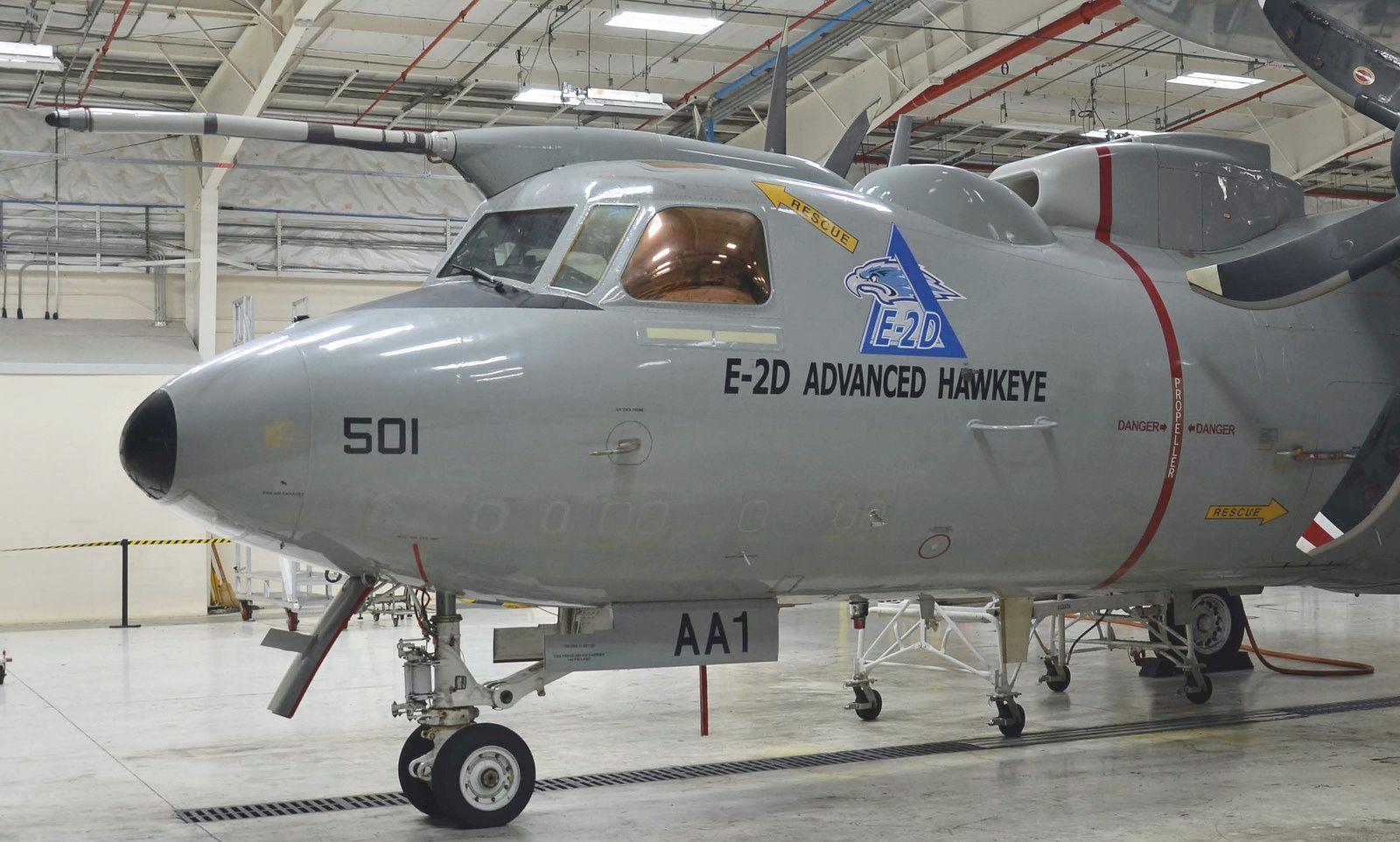 © Northrop Grumman - Le premier E-2D Advanced Hawkeye équipé de sa perche de ravitaillement en vol.