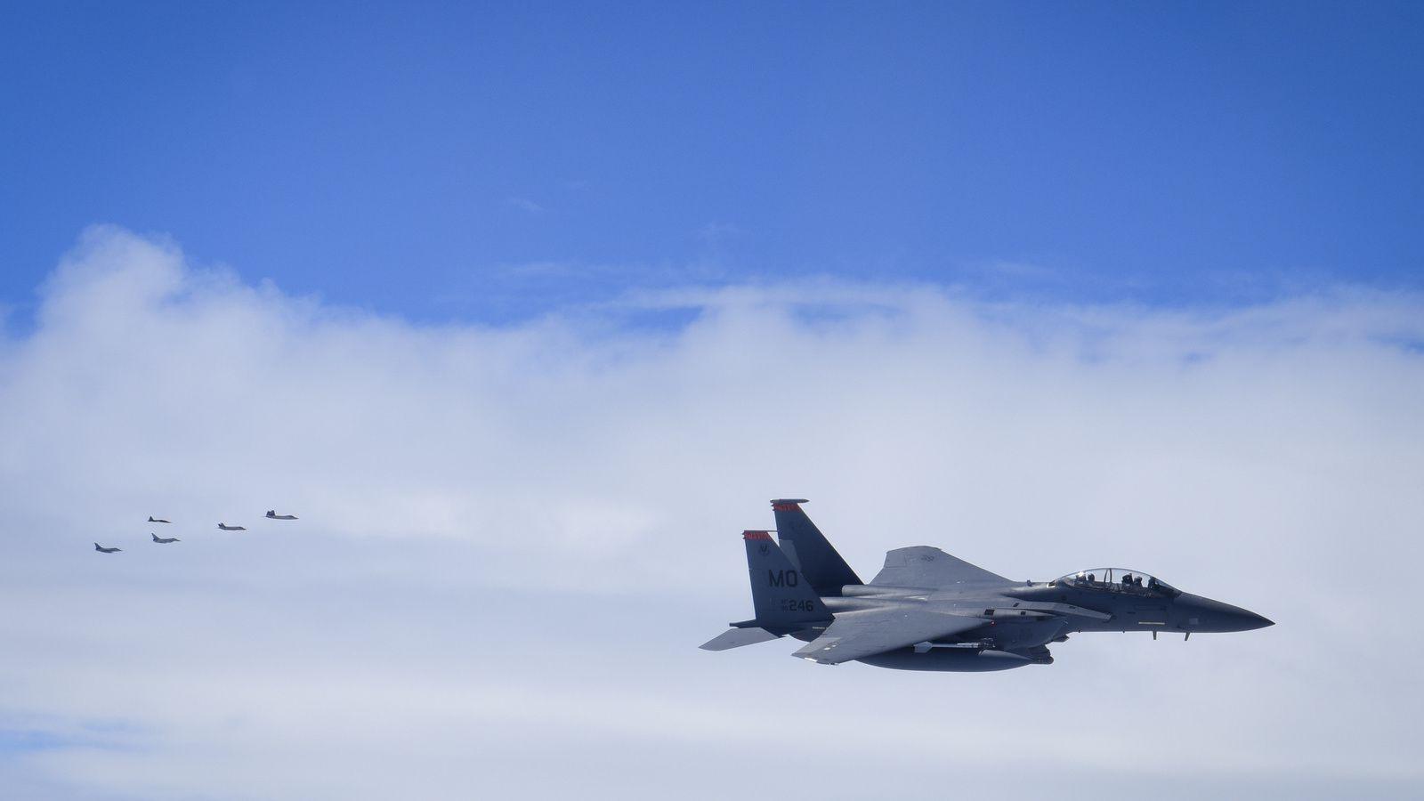 Les F-15E Strike Eagle sont engagés contre les Raptor, Rafale, Typhoon et F-35A.