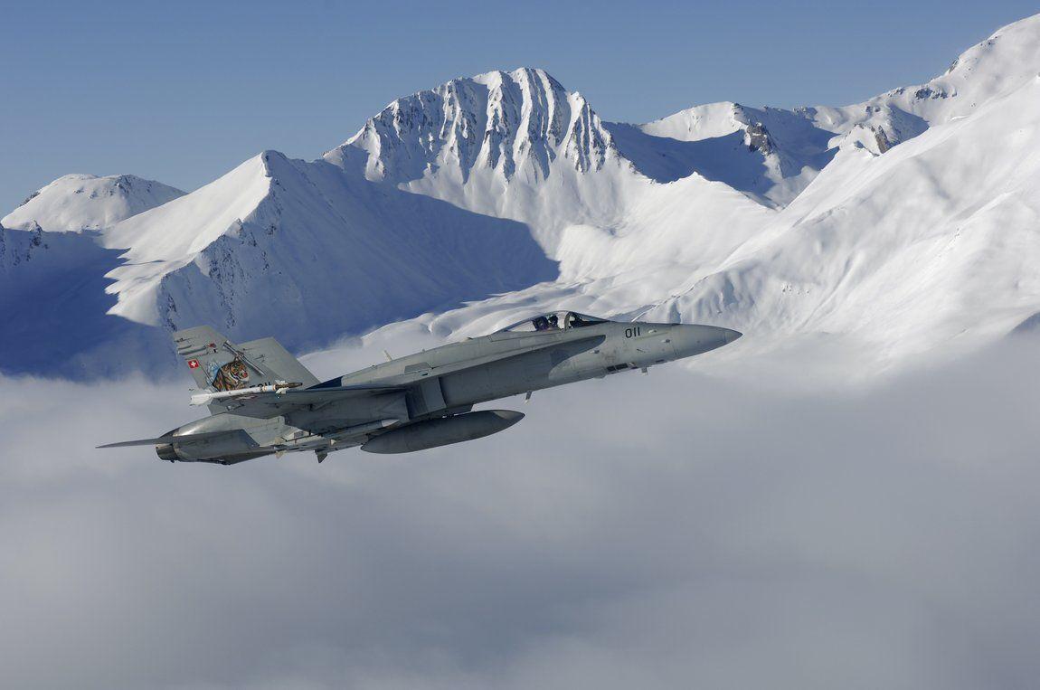 Les Forces Aériennes Suisses modernisent leur F/A-18C/D Hornet