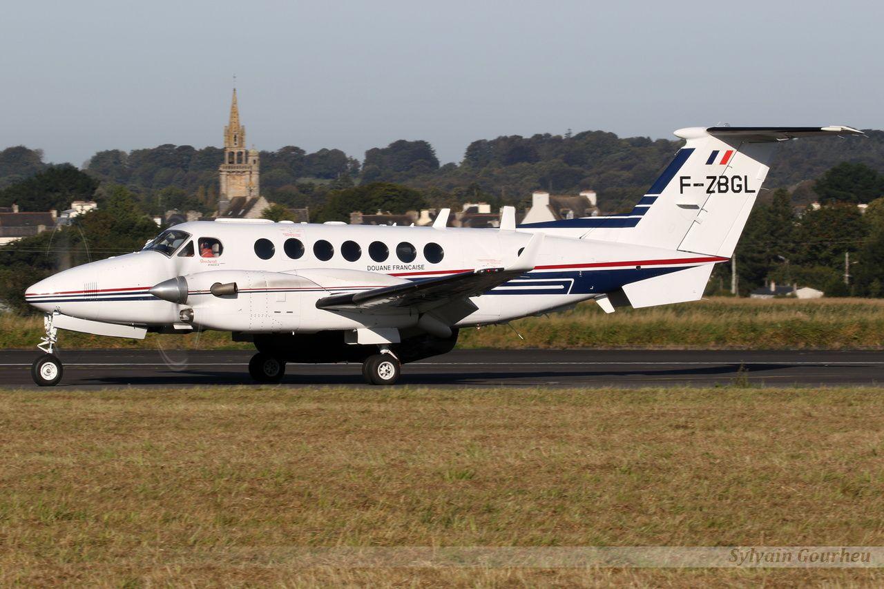 © Sylvain Gourheu - Un des King Air 350 de la Douane française, ici au meeting aérien de Morlaix en septembre 2017.