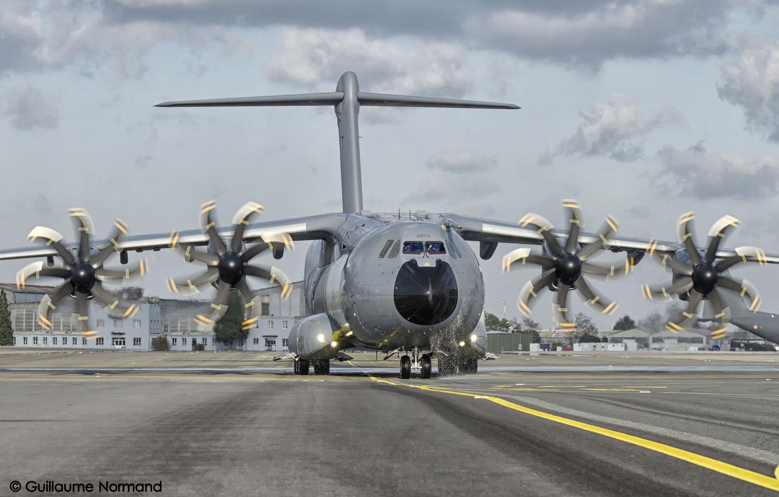 Le quatorzième A400M Atlas de l'Armée de l'Air se pose sur la BA 123 Orléans