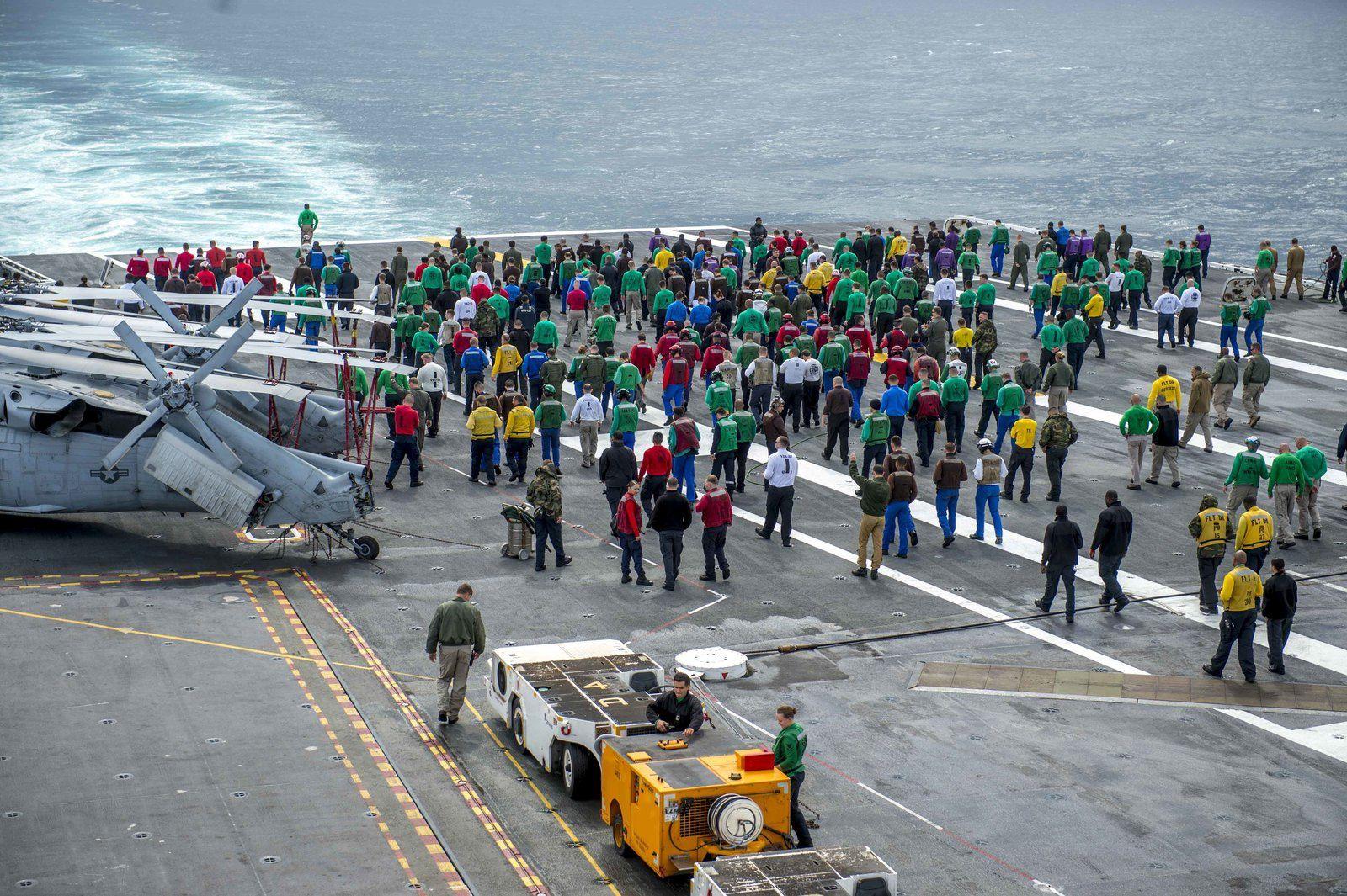 PHOTOS - Chesapeake : La Chasse Embarquée apponte sur l'USS George H.W. Bush
