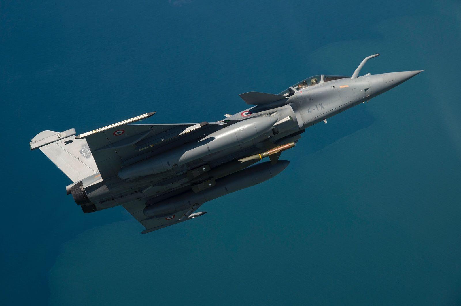 © R. Nicolas-Nelson / Armée de l'air - Un Rafale de l'EC 1/7 « Provence » armé d'une GBU-24.