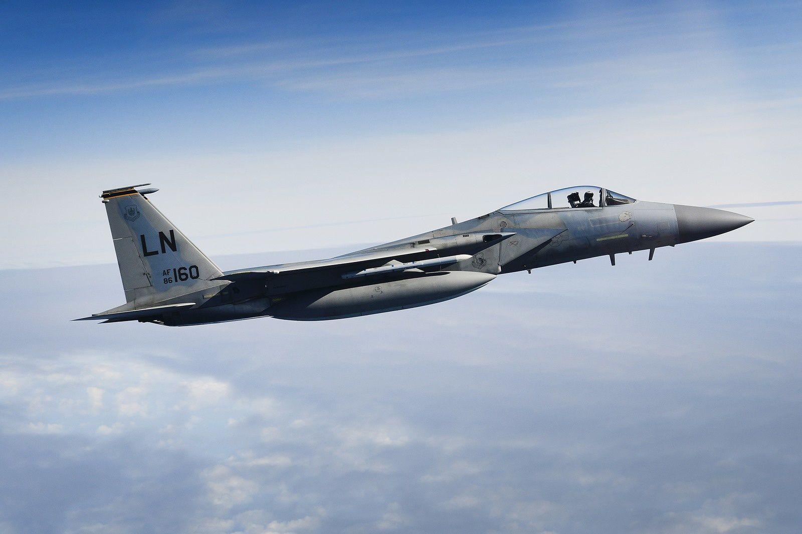 PHOTOS - Des B-2A Spirit poursuivent leurs opérations en Europe avec des F-35B et F-15C Eagle