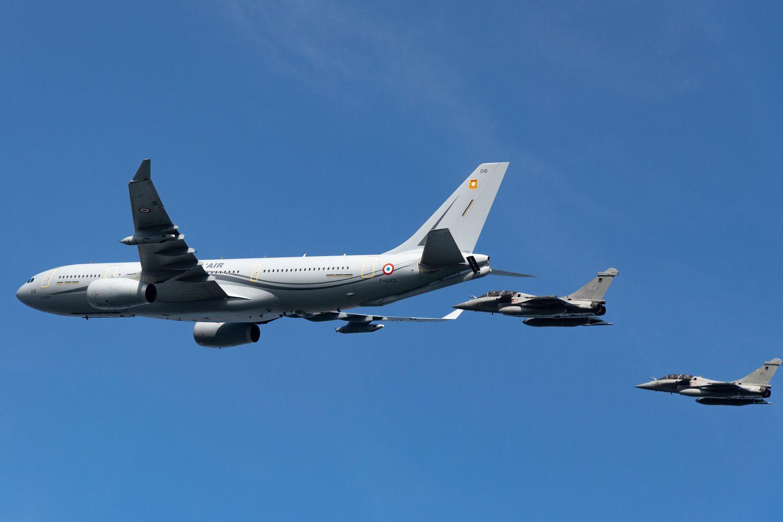 © Armée de l'Air - Une partie de l'actuelle composante Air de la dissuasion nucléaire, avec ici un A330 MRTT Phénix et deux Rafale B.