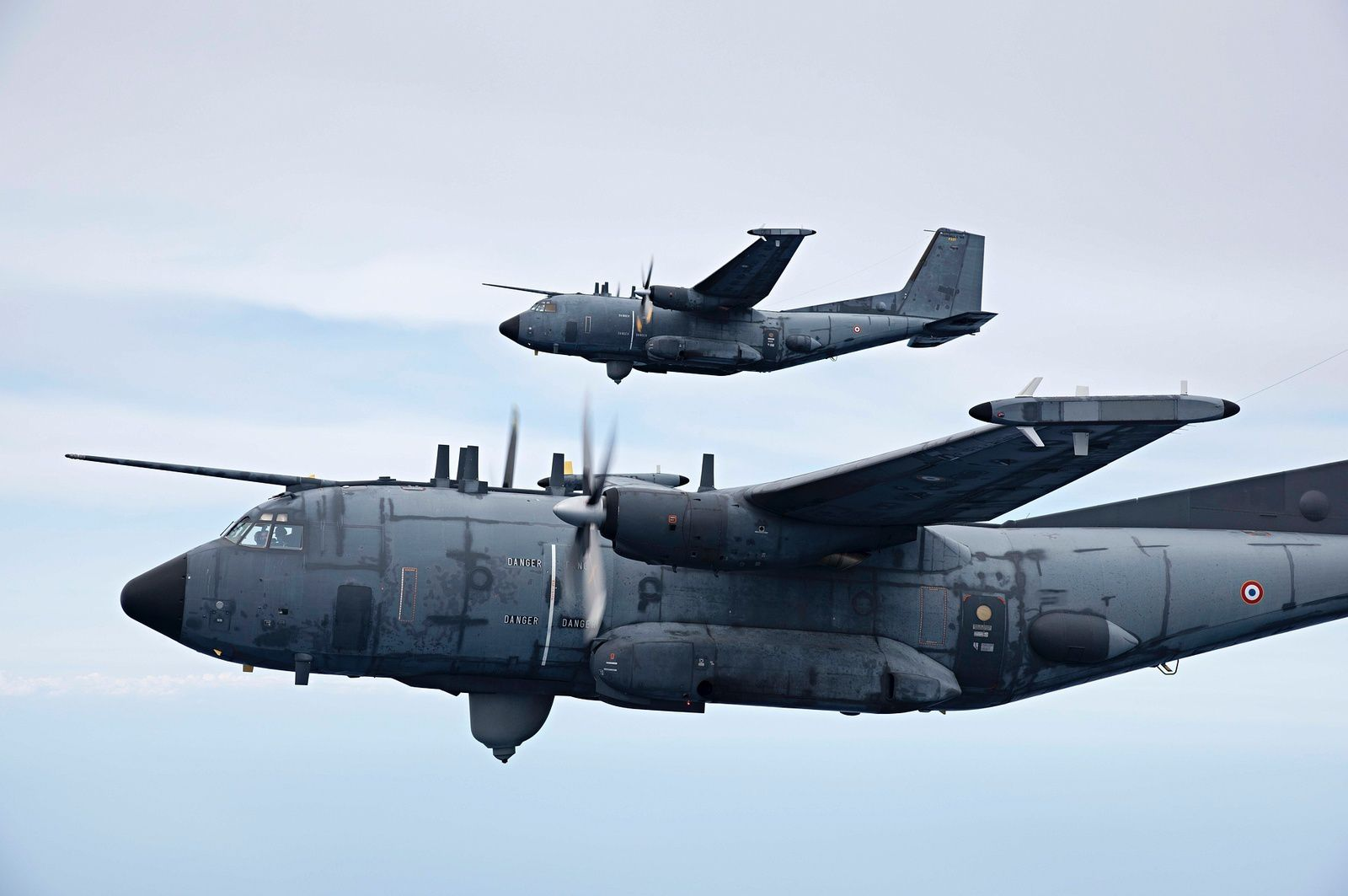 © Armée de l'Air - Les deux Transall Gabriel de l'Escadron électronique aéroporté 54 « Dunkerque ».