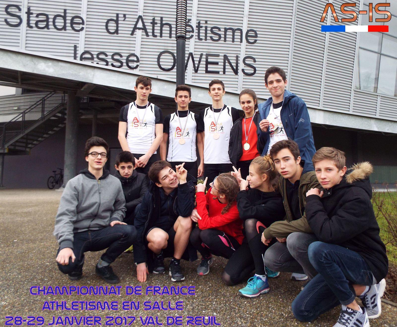 La délégation complète de l'AS-IS au championnat d'Athlétisme Indoor 2016-2017