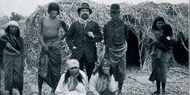 """Vicente Blasco Ibañez au milieu des autochtones - système d'irrigation de """"Nueva Valencia"""" - Première maison de Vicente Blasco Ibañez"""