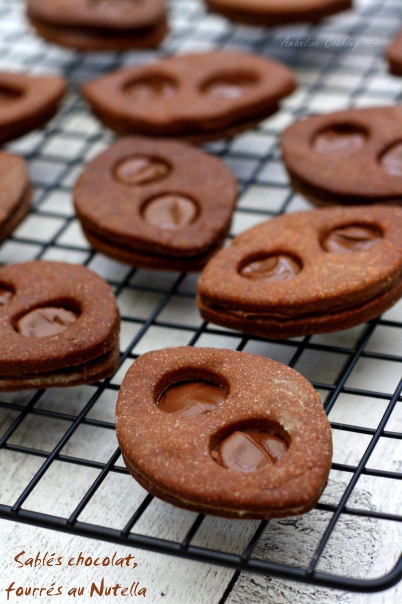 Sablés au chocolat fourrés au Nutella