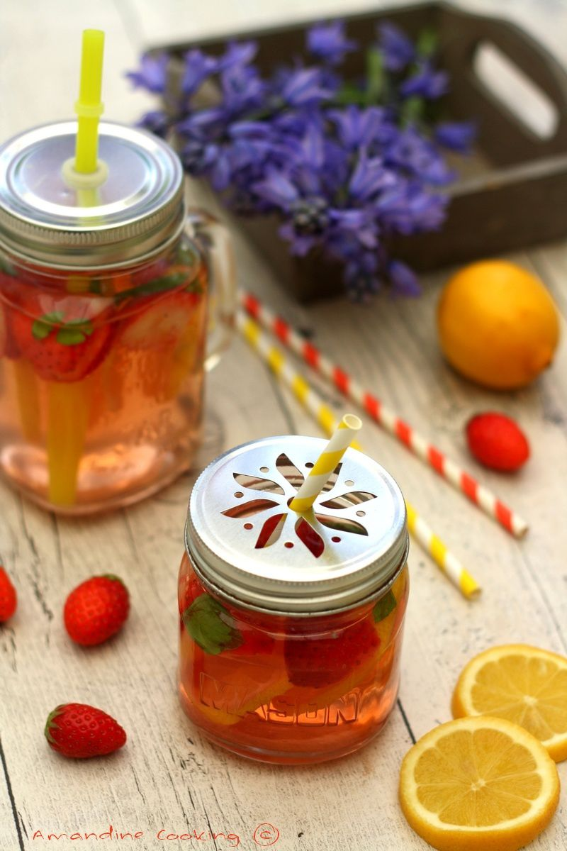 Detox water : fraise, citron et basilic