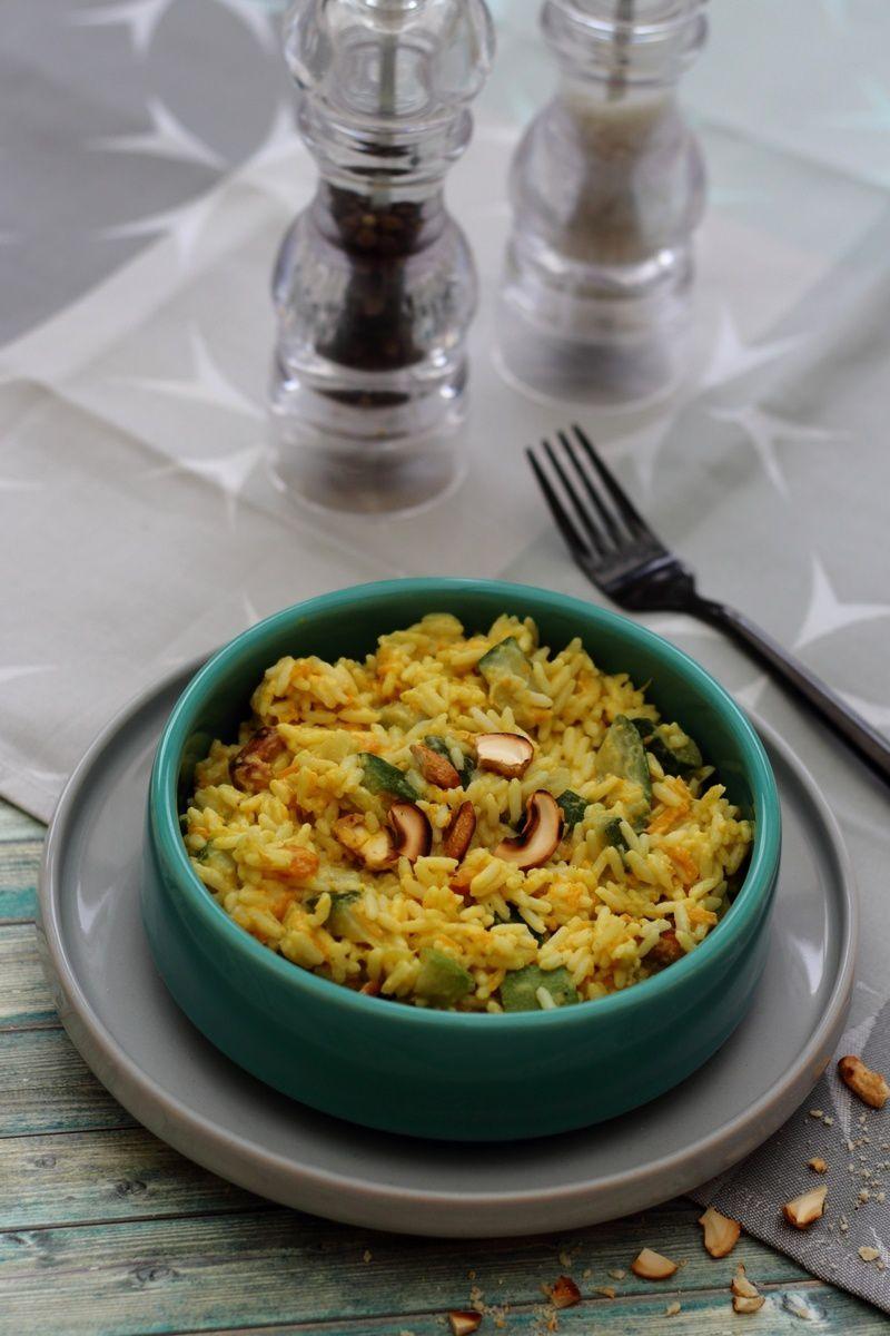 Riz au curry, courgette, patate douce et noix de cajou