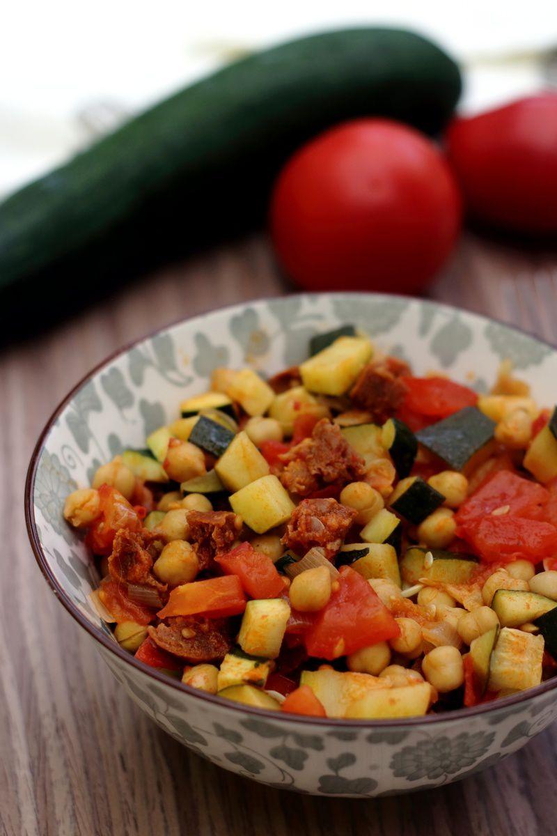 Poêlée de courgette, tomates, pois chiches et chorizo ...