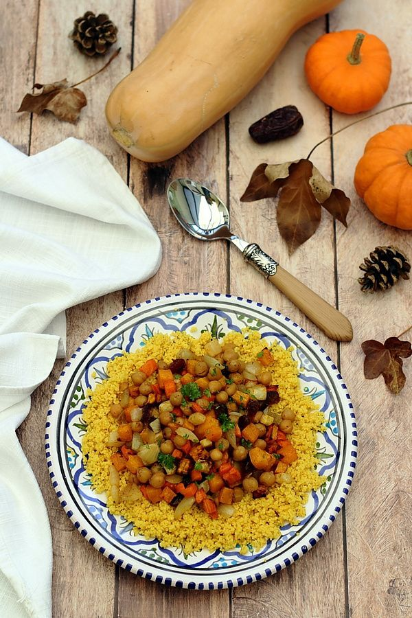 Tajine de pois chiches, dattes et légumes rôtis au miel