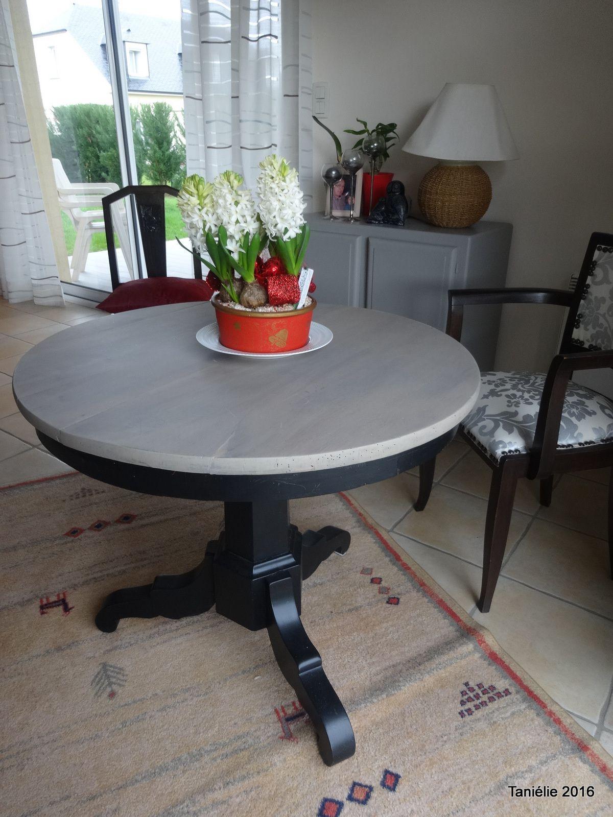 Relooker Une Table En Bois la vieille table ronde relookée - avec un peu de fil