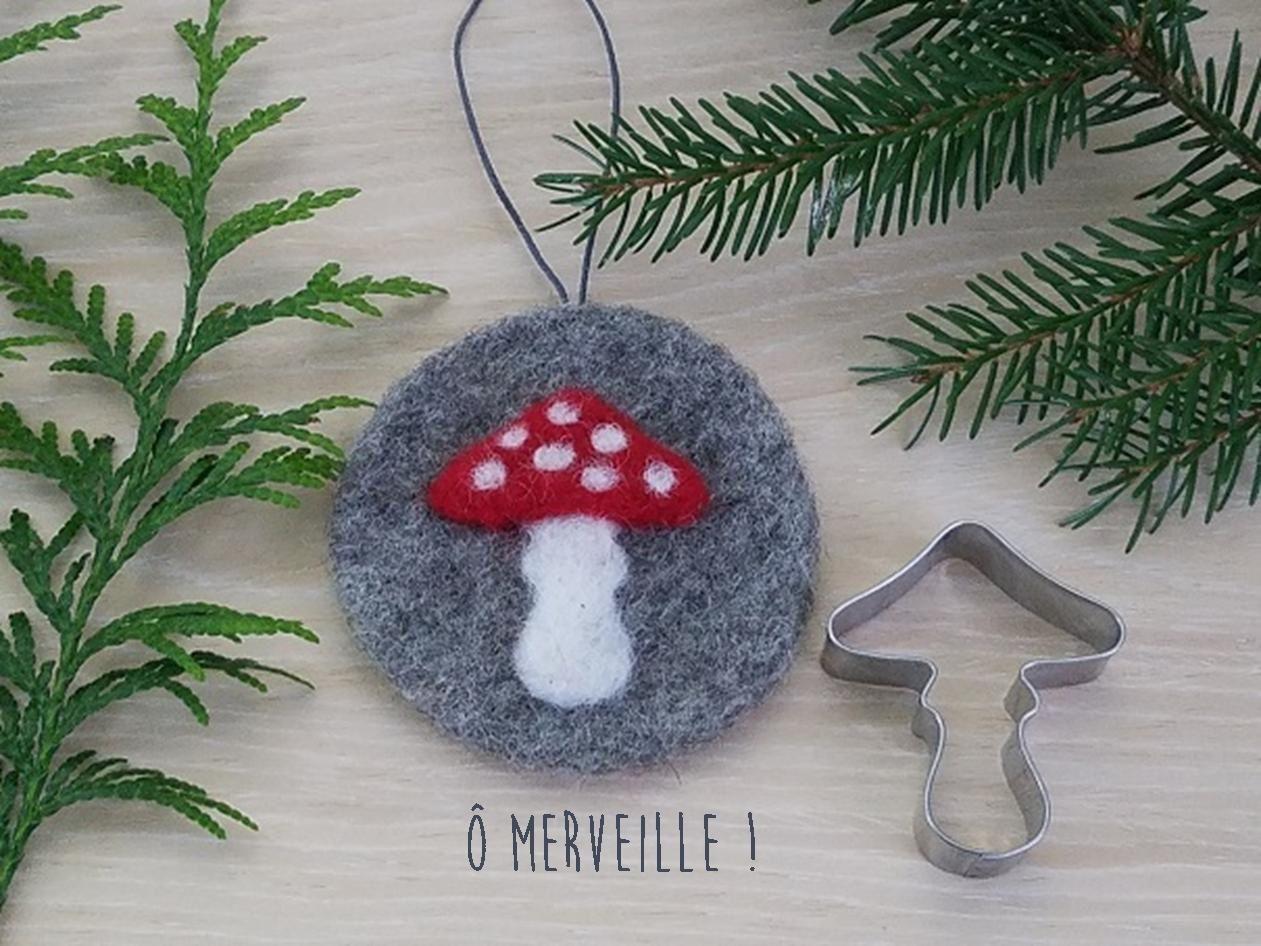 1 pelotes de laine cardée rouge OFFERTE, c'est déjà Noël !