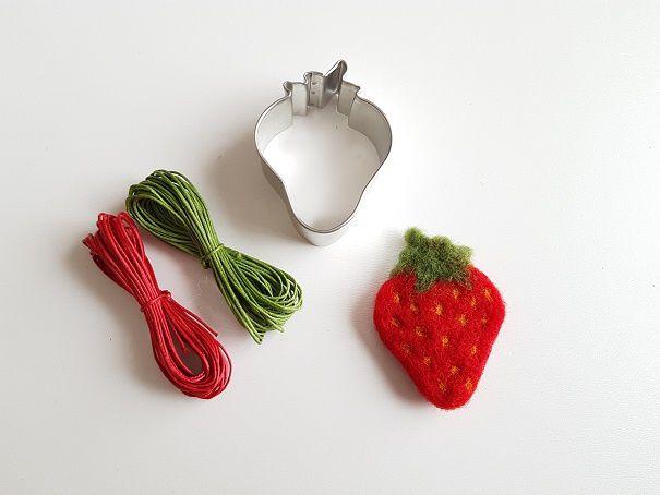 Fraises, pommes et autres fruits feutrés