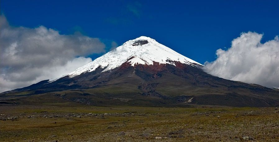 Le volcan Cotopaxi. Source: https://fr.wikipedia.org/wiki/Cotopaxi