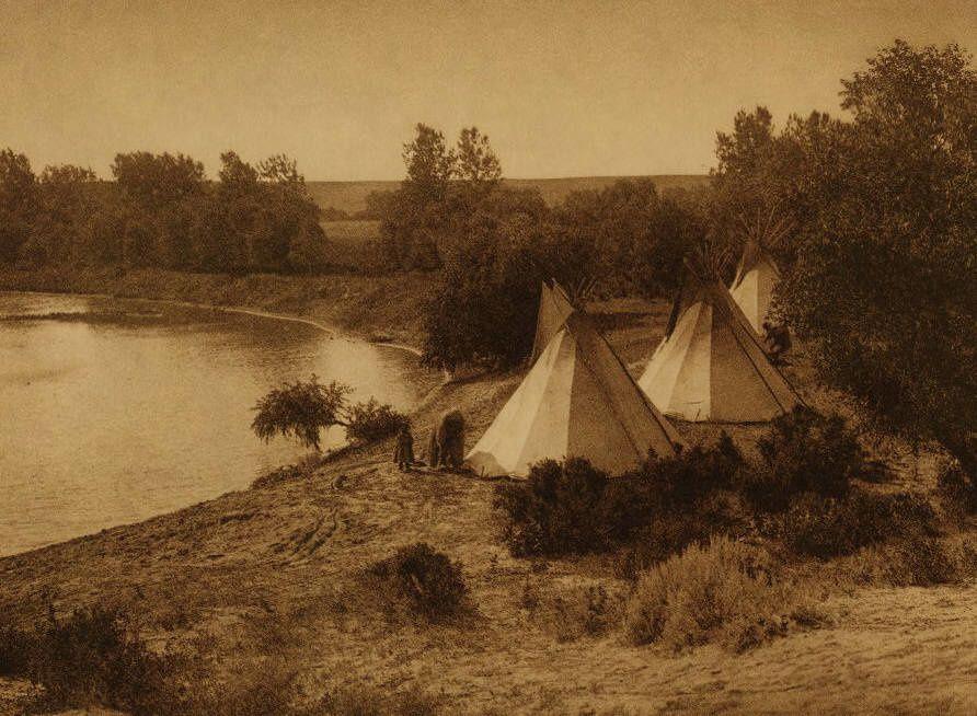 Edward S. Curtis: A river Camp Yanktonai.