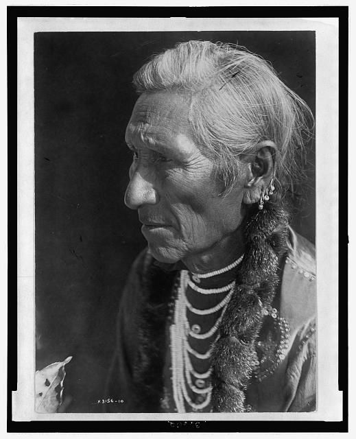 Flathead Indian. Photography: Edward S. Curtis. Library of Congress.