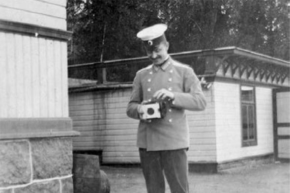 Gustaf Mannerheim practicing photography in Finland just before departing on his secret military mission to China.