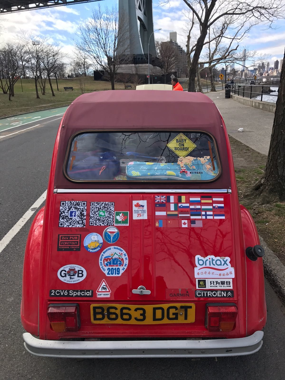 THE CITROEN 2 CV NEVER GIVES UP ! 25,000 MILES ALL AROUND THE WORLD !