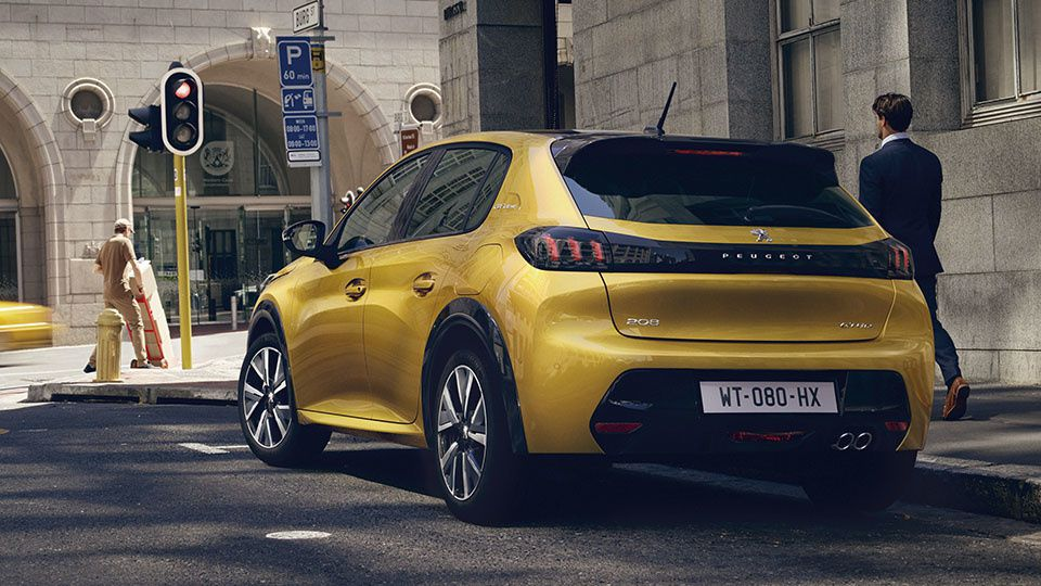 THE NEW PEUGEOT 208... WITH YELLOW CABS ?