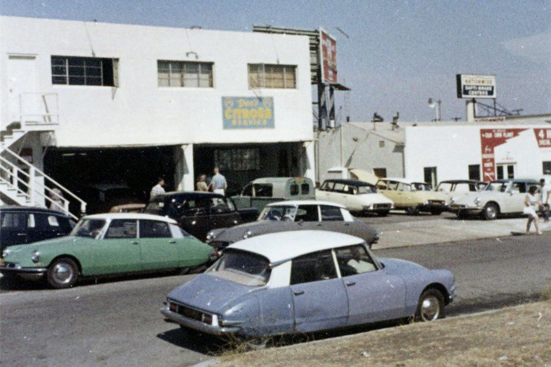 US Citroën dealership in the 60's