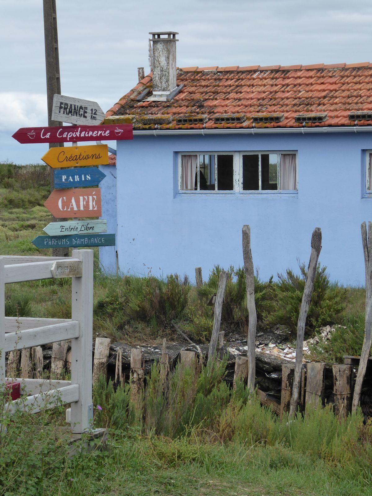 Les vacances sur l'île d'Oléron: les cabanes colorées de La Baudissière