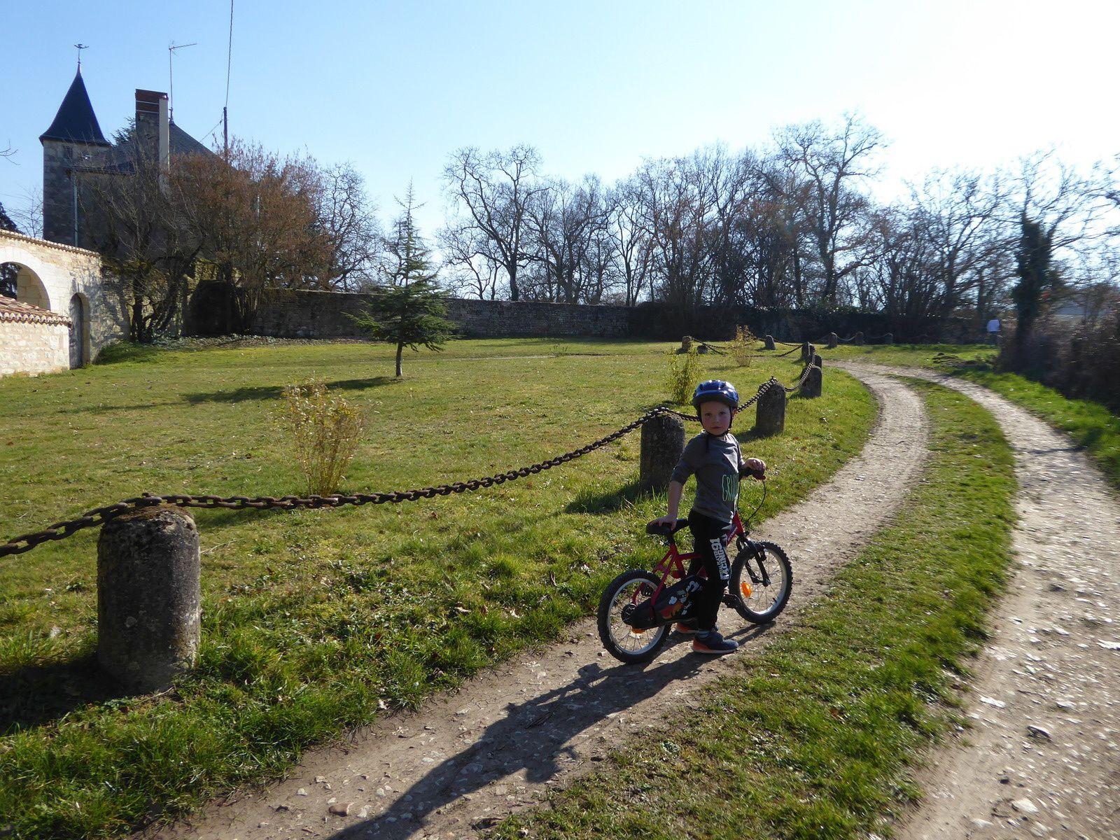 Balade à vélo autour du Lac de St Cyr