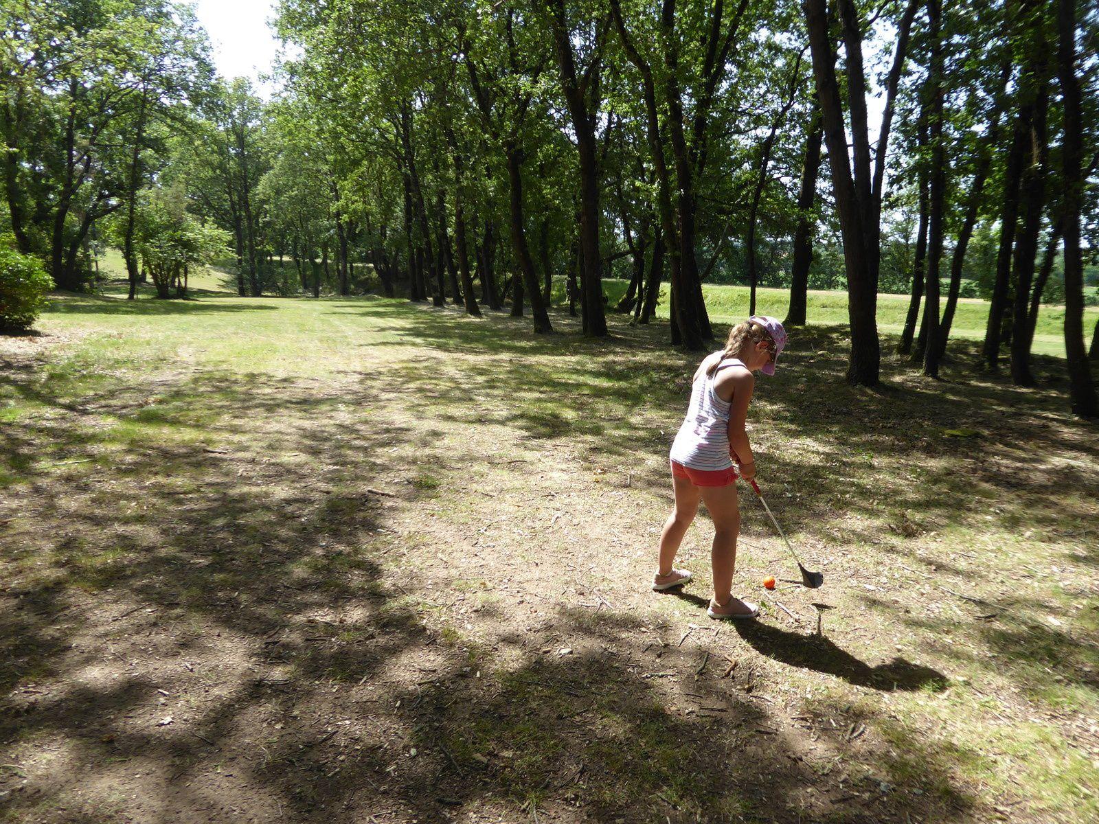 Poney, swin golf et balade en canoë
