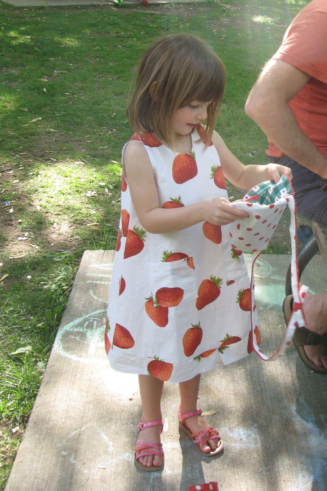rose fraises pour petite fille + sac a main+ boite charlotteblabla