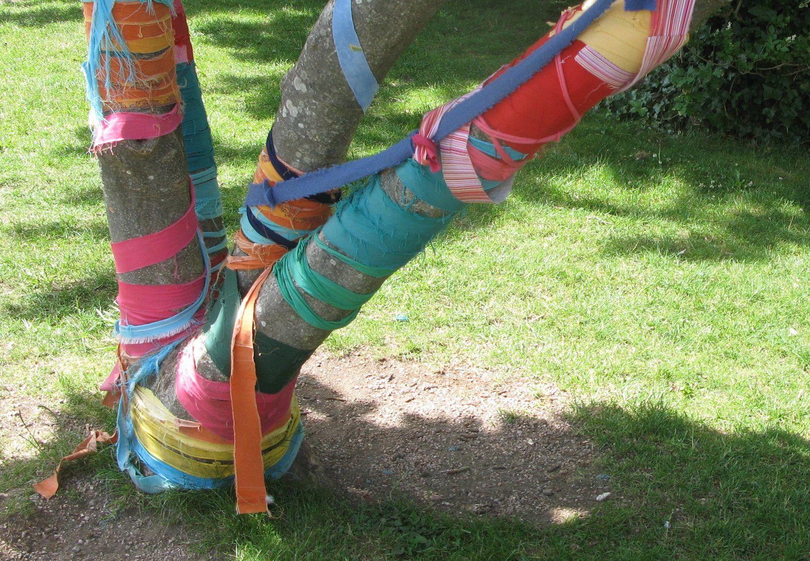 arbre ruban- aurillac- charlotteblabla blog
