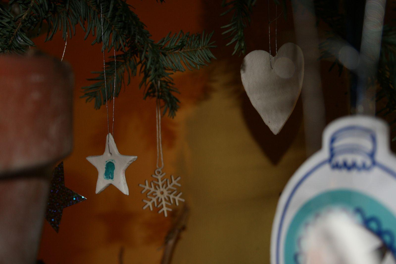 Decoration de noel en porcelaine froide