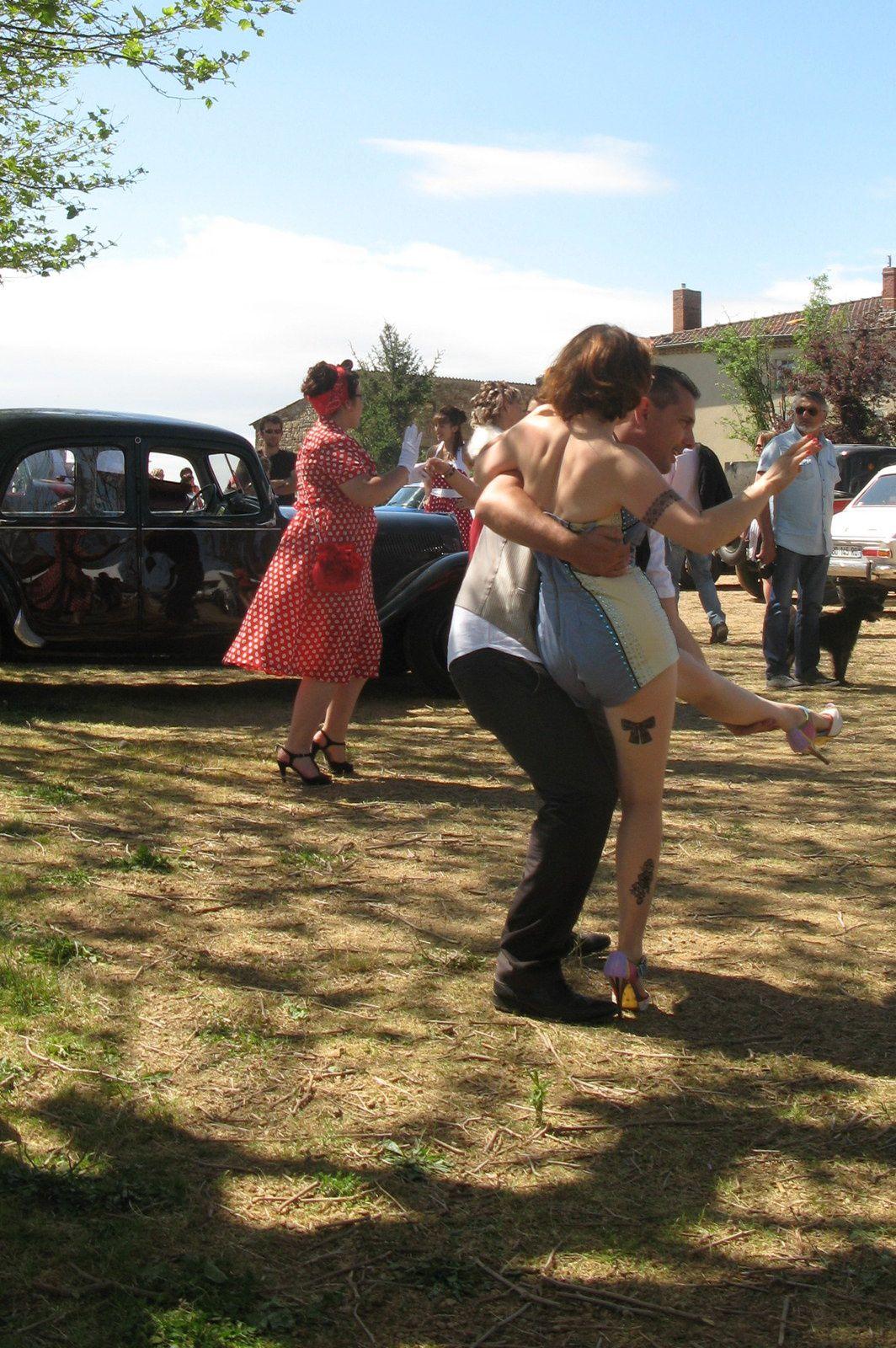 danse  retro à Egliseneuve-pres -Billom