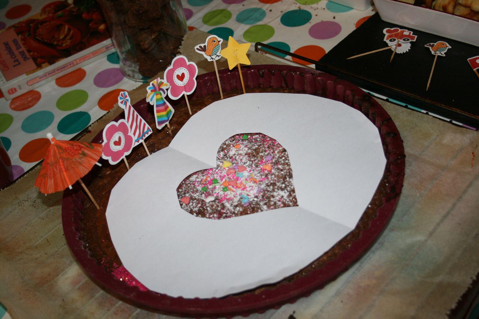 decoration de fete : gâteau cœur sur charlotteblabla blog*