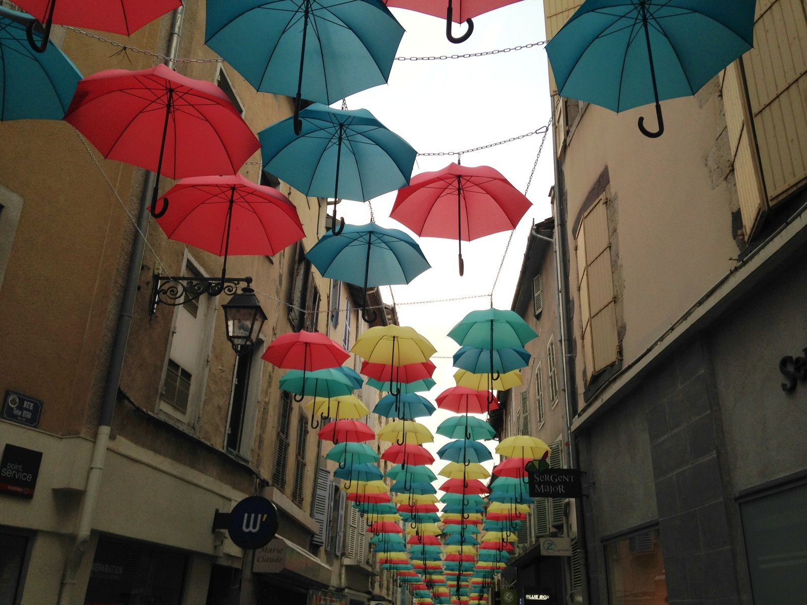 #parapluie #aurillac #exposition #couleur #charlotteblabla blog