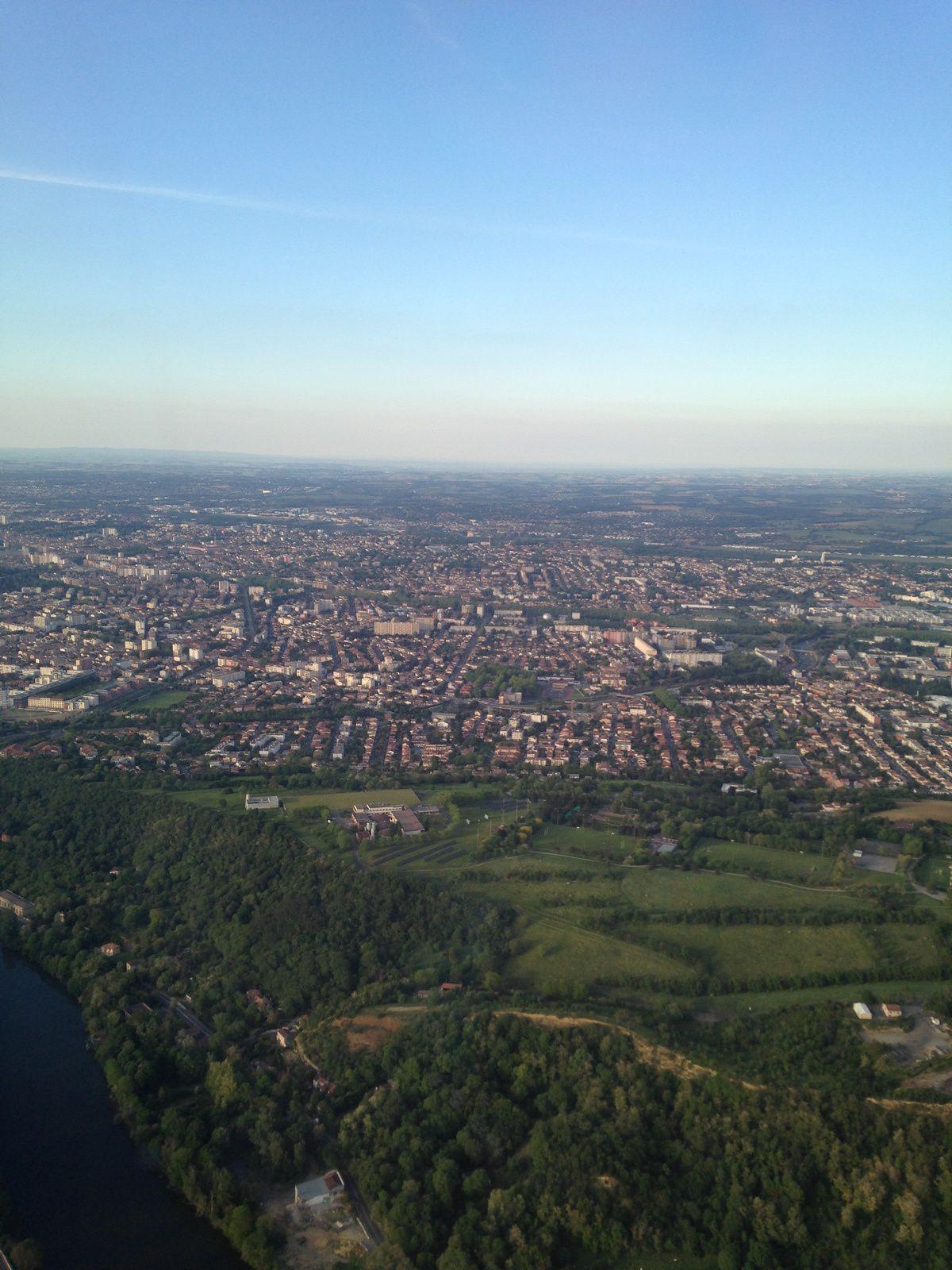 #Toulouse vue du #ciel de l'avion #hautegaronne #charlotteblabla blog