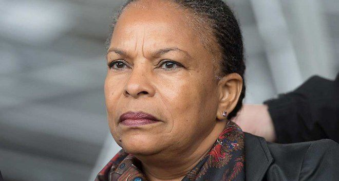 Christiane Taubira, garde des Sceaux, fragilisée dans ses fonctions depuis qu'elle a également osé manifester son opposition à ce projet de révision constitutionnelle.