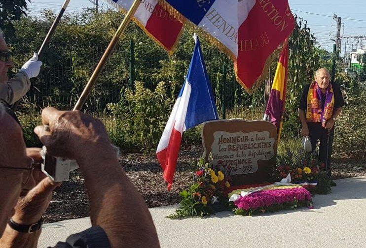 Inauguration au Pont Saint-Jacques d'une plaque dédiée aux défenseurs de la République espagnole.