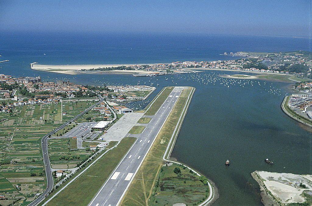 L'aéroport urbain de Hondarribia (Fontarabie) désormais promu à un avenir incertain.