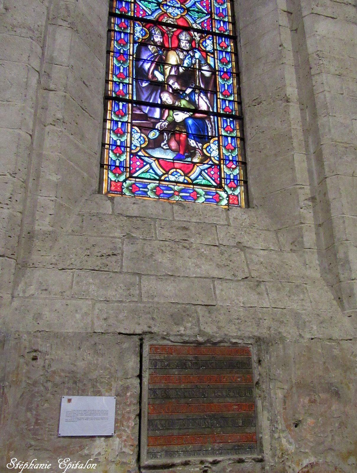 la pierre de fondation posée par le fils du comte de Forez Guy IV, âgé de 5 ans le 16 novembre 1226