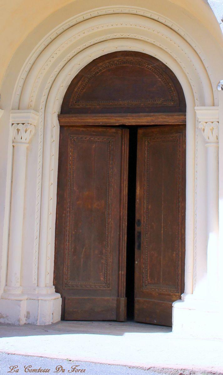 L'église Saint-Etienne sur la commune d'Ecotay L'Olme (42600, Loire)