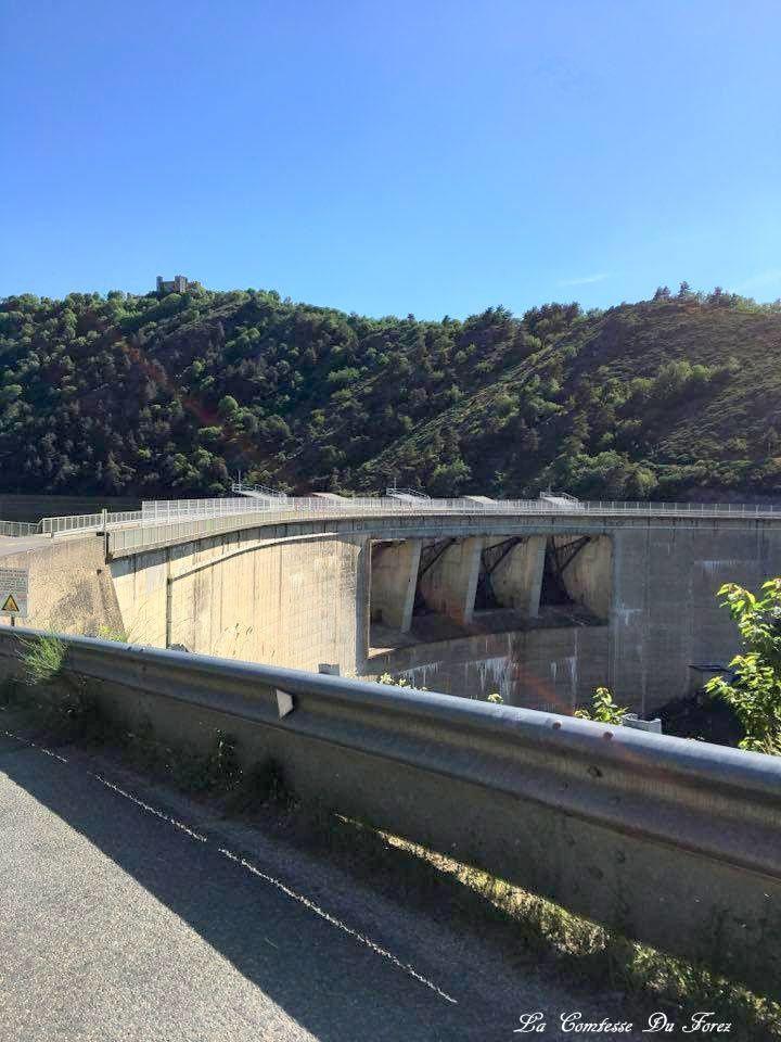 vue des hauteurs de Grangent et le barrage