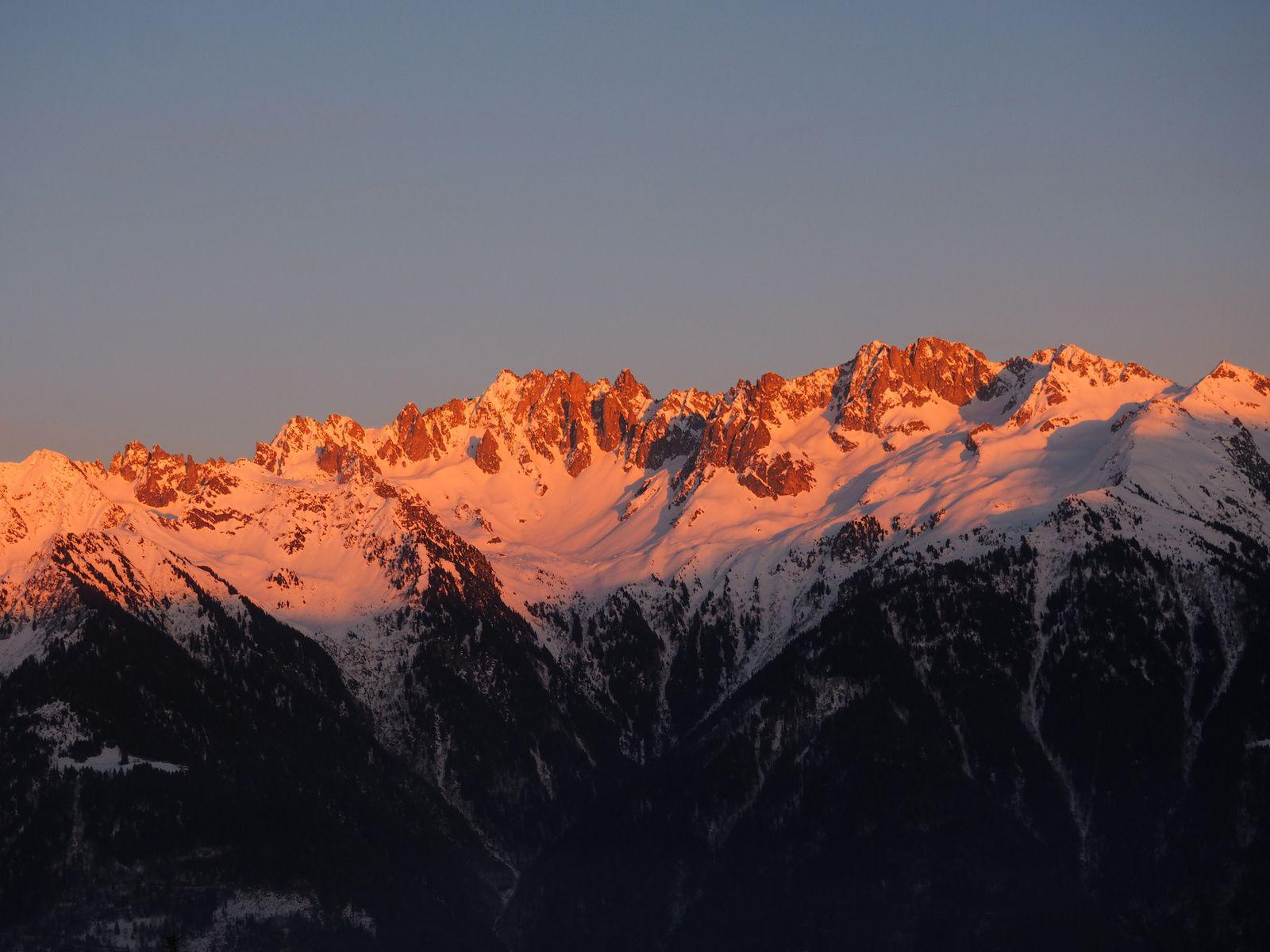 de la Lauzière au Mont blanc, (rose pour l'occasion)