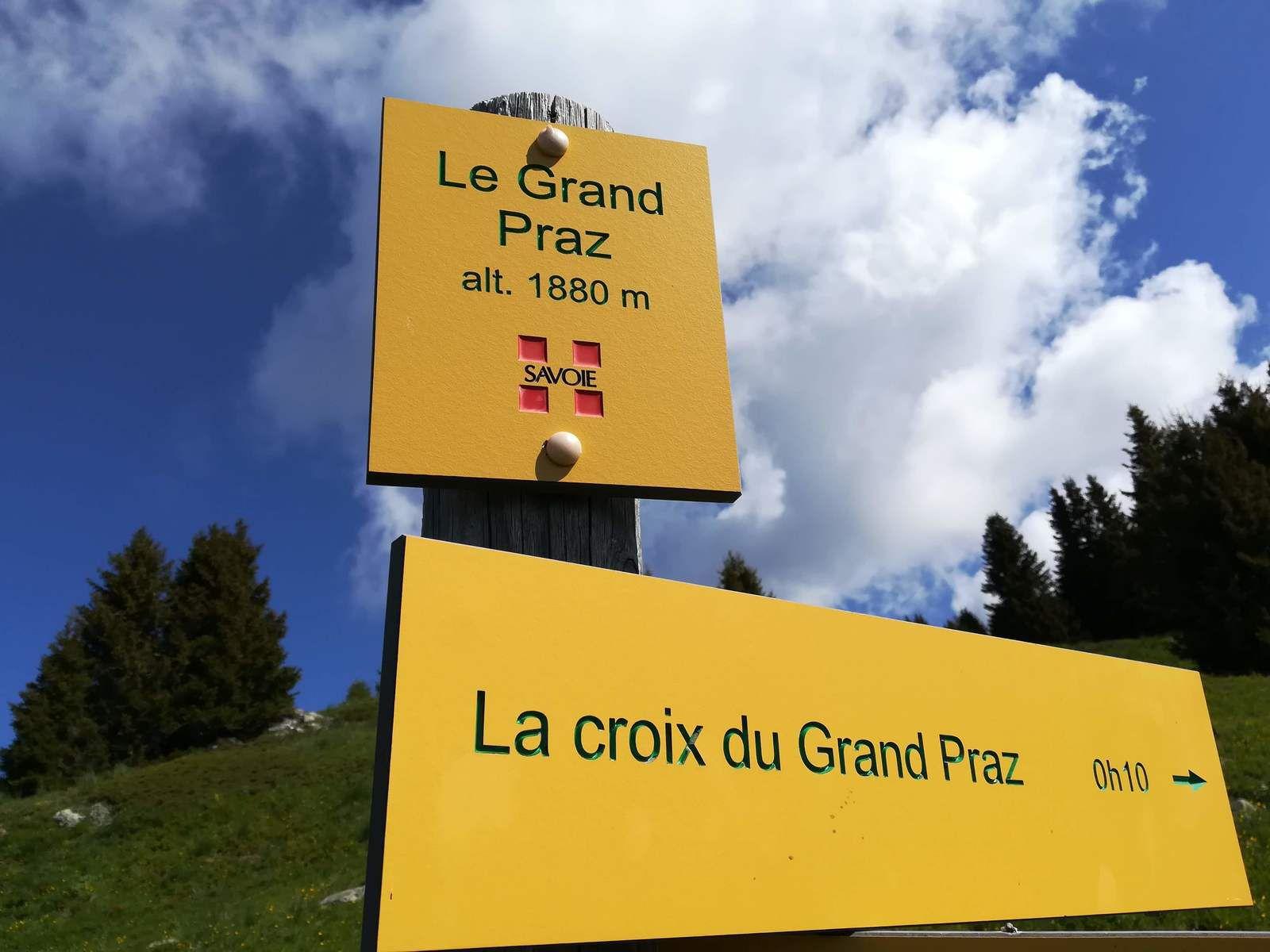 La croix du Grand Praz, Montgellafrey, Grande Léchère, massif de la Lauzière.